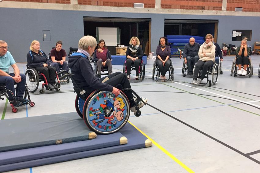 """Fortbildung """"Rollstuhlversorgung und Mobilitätsförderung"""" der DRS rollikids"""