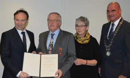 Reinhard Schneider mit Bundesverdienstkreuz ausgezeichnet