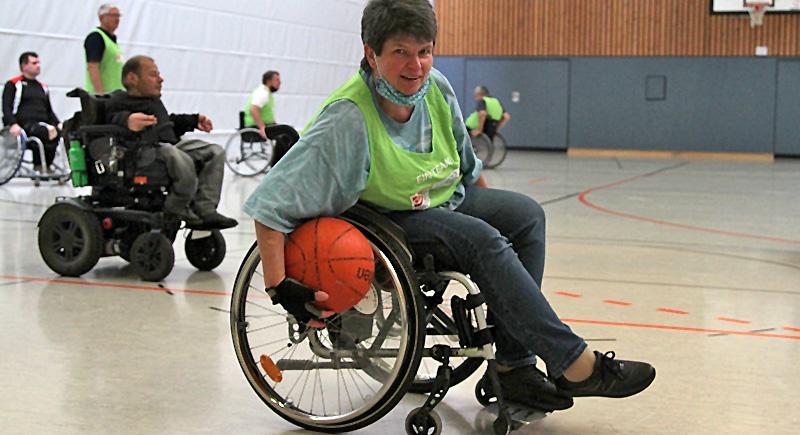 Rollstuhlsport erleben – passgenau und mit viel Spaß!