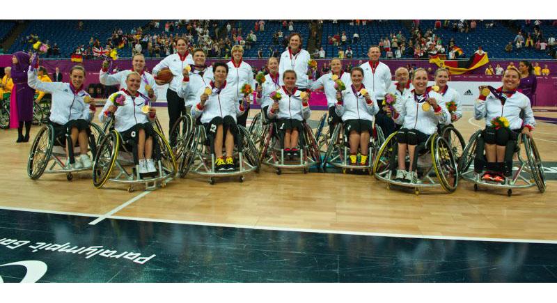Das Rollstuhlbasketball-Nationalteam der Damen freut sich über DBS-Auszeichnung: Para Mannschaft des Jahrzehnts
