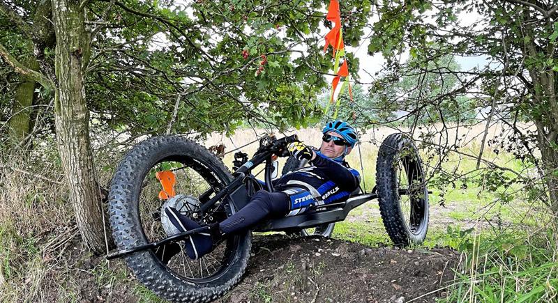 Handbiker Torben Bröer präsentiert deutschlandweit einmaliges Inklusionsprojekt